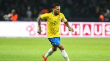 Daniel Alves critica Globo em transmissão de Brasil e México
