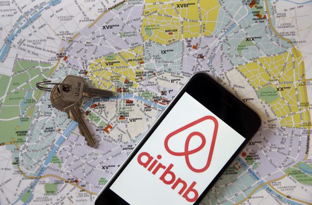 Airbnb plans to go public in 2020