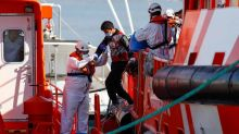 More than 200 migrants stuck in Gran Canaria dockside camp