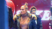 Captan a Jennifer López con un look que no convence a sus fans; mírala