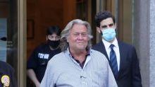 """Ex-Trump-Vertrauter Bannon sieht sich als Opfer von """"politischem Attentat"""""""