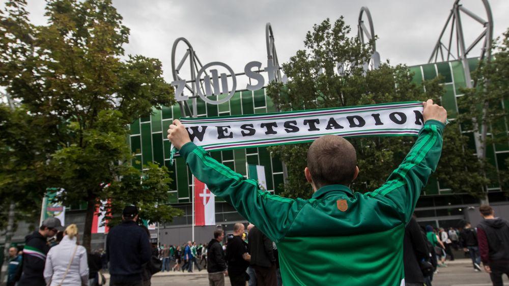 """""""ACAB""""-Banner: Wirbel um Foto-Tapete bei Rapid Wien"""