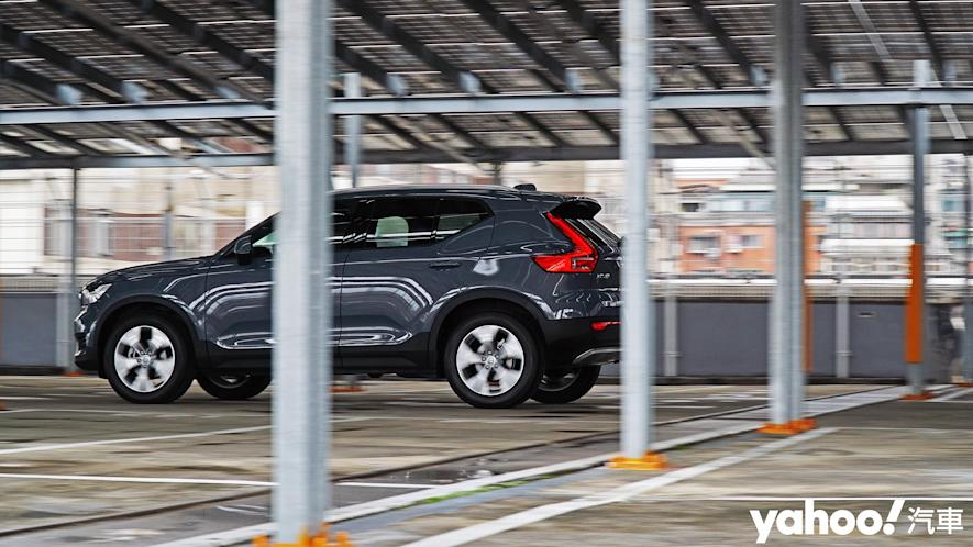 為入門重新定義!2021 Volvo XC40 T3 Momentum城中試駕 - 10