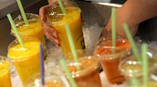 Envasado y con pajita: puedes tomar zumo así (y no es malo)