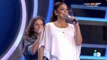 Isabel Pantoja roba el protagonismo a una de las niñas de 'Idol Kids' haciendo playback de 'Así fue'
