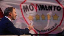 M5S, Casaleggio lancia libretto 'anti-partito': gelo eletti
