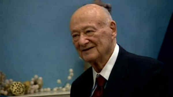 Fmr. Mayor Ed Koch hospitalized in intensive care