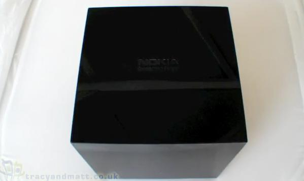 Nokia N900 and the case of the best unboxing ever