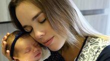 """Thaeme divulga vídeo do nascimento de Liz e leva internet aos prantos: """"Não canso de agradecer"""""""