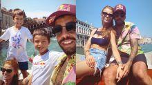 Pedro Scooby curte Veneza com Cintia Dicker e filhos