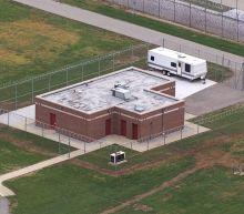 Justice Dept. seeks to overturn order halting execution