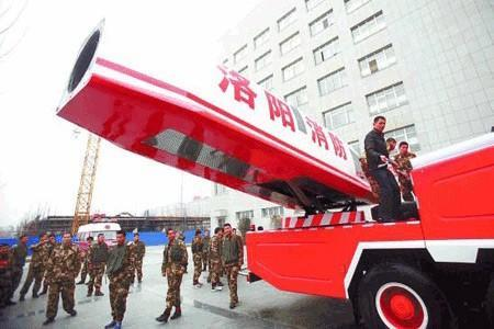 China builds a jet-propelled water cannon, just because it can (video)