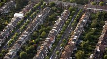 London Home Sellers Cut Price for Second Time in Three Months