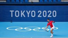 Djokovic estreia em Tóquio com vitória tranquila sobre boliviano Dellien