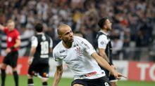 Roger segue recebendo do Corinthians