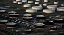 Oil Holds Losses Near $40 Amid Deteriorating Demand Outlook