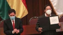 Luis Arce recibe su credencial como presidente electo de Bolivia