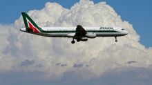 Lufthansa offers 250 million euros to take on most of Alitalia's fleet, half of staff - source