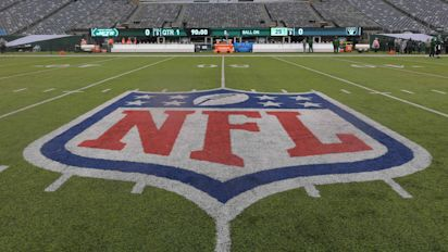 Vaccine complicating things for NFL, not helping