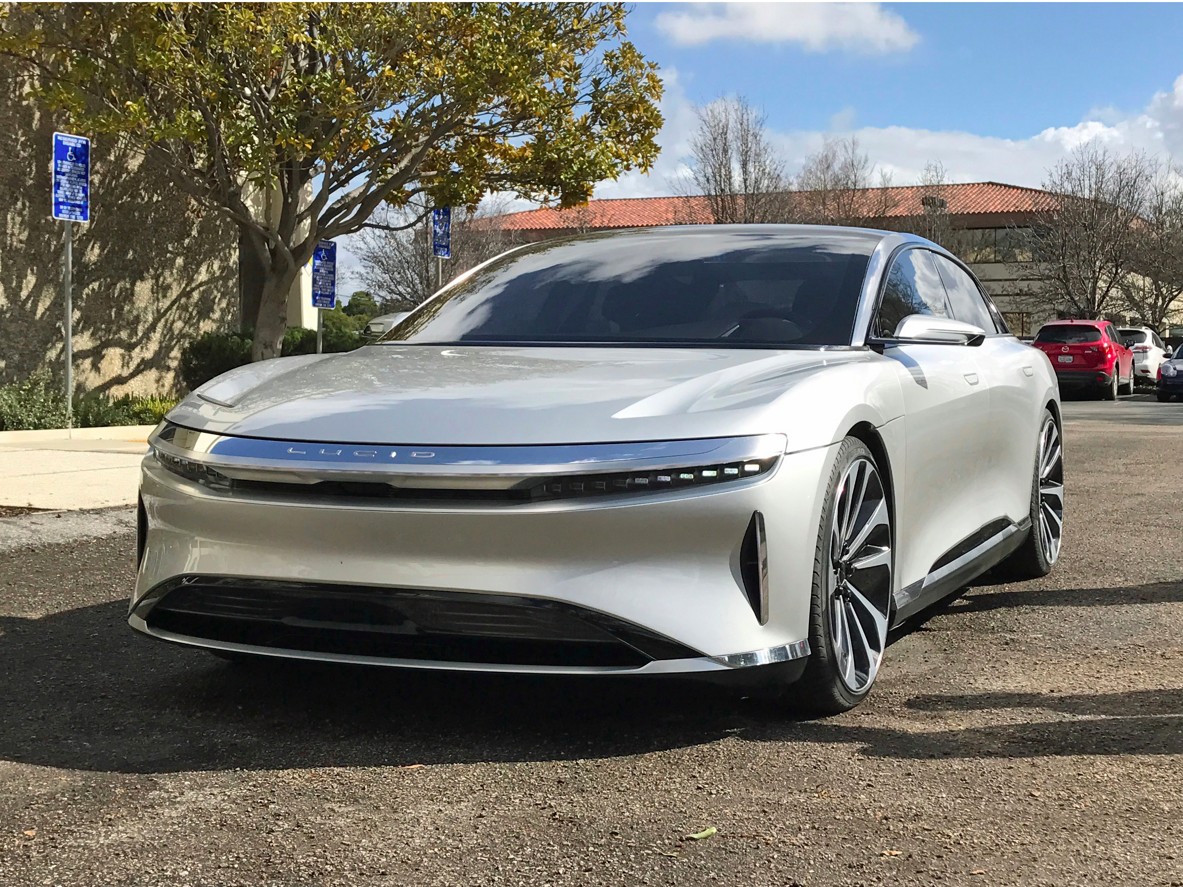 Lucid Motors says its latest fundraising round is 'going ...