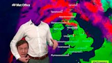 ¡Desopilante! Un meteorólogo de la TV inglesa pierde (literalmente) la cabeza en Halloween