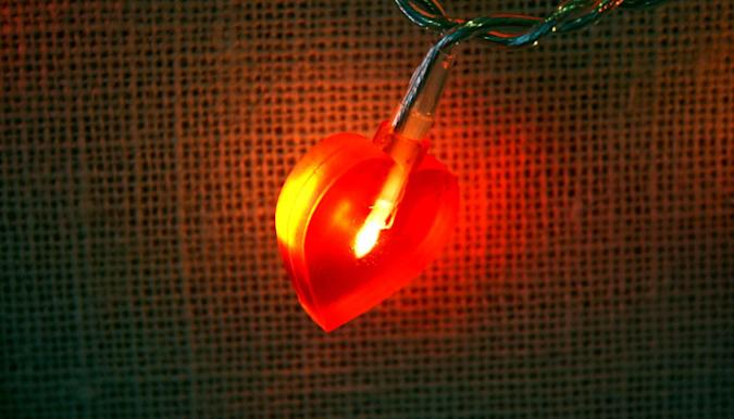 Future heart defibrillators could save lives with light pulses