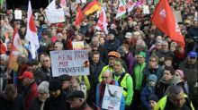 Tausende Menschen demonstrieren in Erfurt gegen Bündnisse mit der AfD