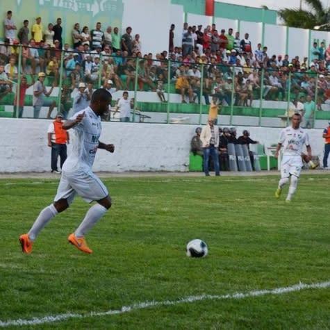 Júnior, volante do Murici, garante time 'vivo' na Copa do Brasil
