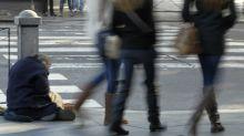 Casi 4,3 millones de españoles viven en pobreza severa, según un informe