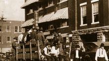 Se cumplen 99 años de la masacre de Tulsa: el ataque de blancos racistas a la población negra silenciado durante décadas