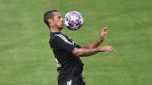 Überraschung! Thiago taucht im Bayern-Training auf