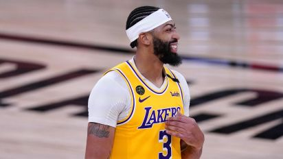 No comeback this time: Lakers crush Nuggets