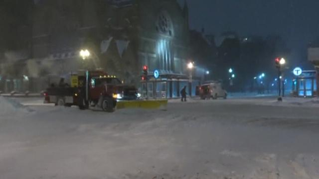 Massive snow storm cripples Northeast