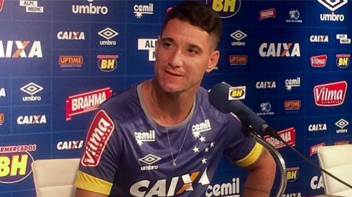 Thiago Neves celebra boa fase e pede Cruzeiro ofensivo em São Paulo