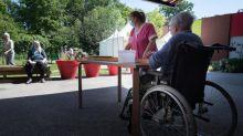 """Déconfinement dans les Ehpad : """"Un peu de patience"""", demande un syndicat aux familles en espérant """"un retour à la normale en juillet"""""""