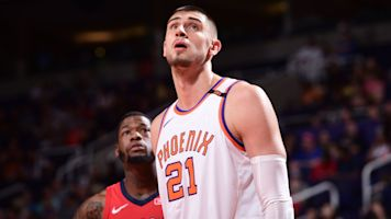 Sources: Center Alex Len to sign with Hawks