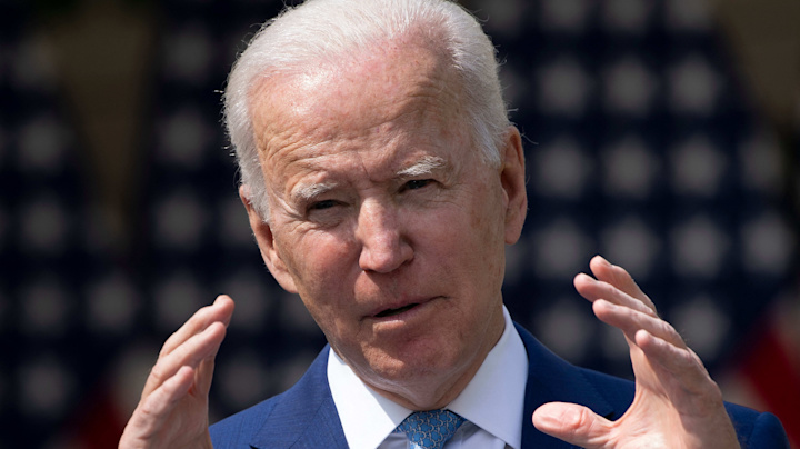Biden signs order for Supreme Court commission
