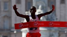Kipchoge and Cheruiyot win London Marathon titles, Farah sets British record