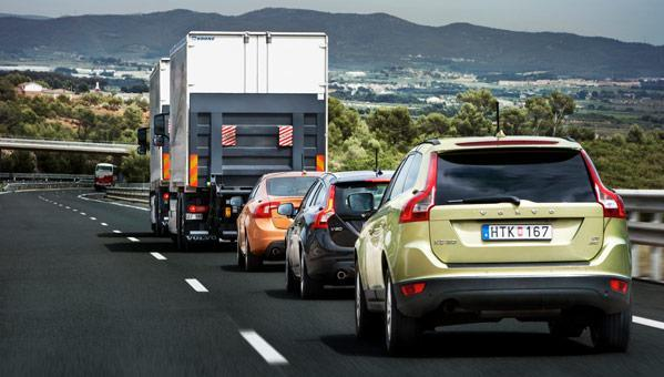 Volvo's driverless road train in Spain is public mainly on the plain (video)