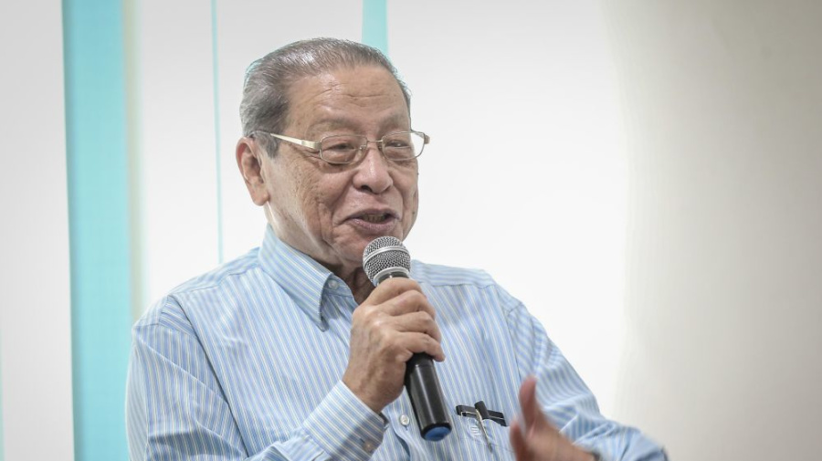 Endorsing Dr M's call, Kit Siang says infighting must end to avoid GE15 loss