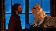 Miss Piggy Rebounds With Josh Groban