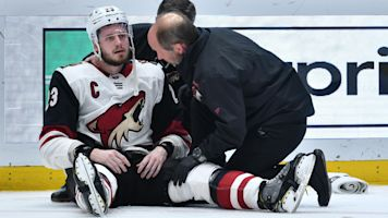 Stars captain ejected for hit on Coyotes captain