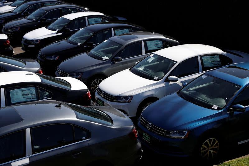 U.S. auto sales seen falling in March: J.D. Power, LMC Automotive