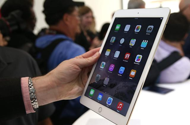 Apple drops the iPad Air 2 price to $399
