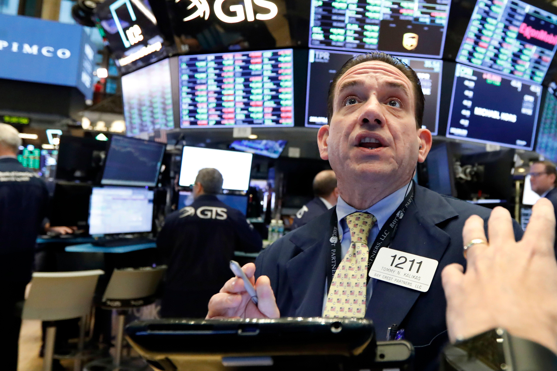 Dow's 9-week winning streak is the longest in nearly 24 years