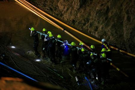 After heroic Thai rescue, cave-diving Australian doctor