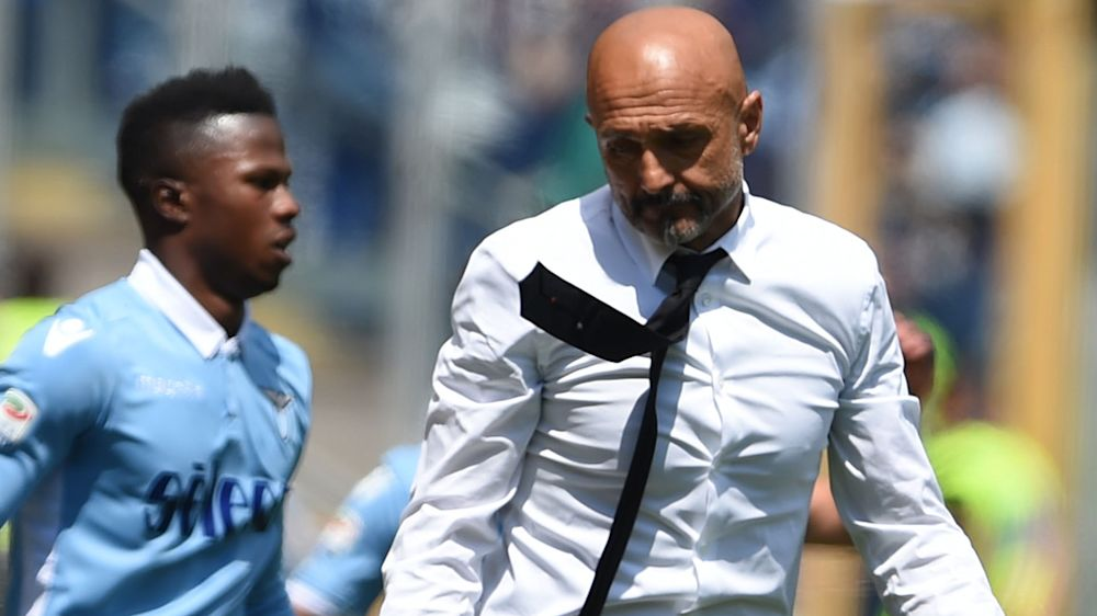 'Weak and ugly' Roma must accept all criticism after Lazio loss, says Spalletti