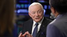 Jerry Jones finally speaks to media, discusses fans at Cowboys' stadium, standing for anthem, Dak Prescott's contract