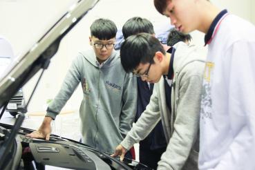 納智捷捐贈U6、M7予「全國工業類科學生技藝競賽」 用行動支持技職教育!