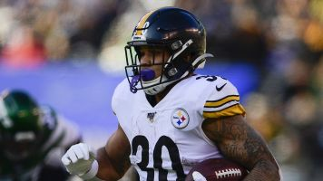 Steelers RB buys mom a house, tears flow